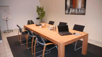Massief Houten Tafel : Massief houten tafel